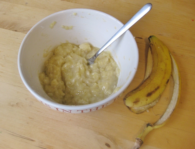 3 ripe mashed bananas for banana bread