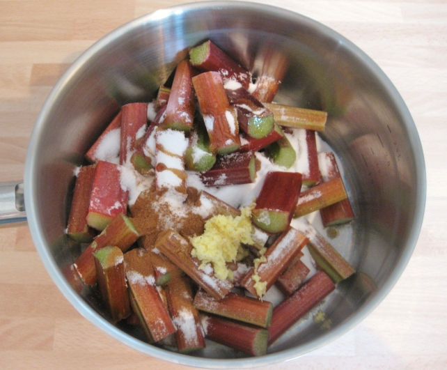Rhubarb, sugar, vanilla, fresh ginger and cinnamon for stewing