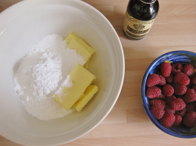 Ingredients for raspberry buttercream icing