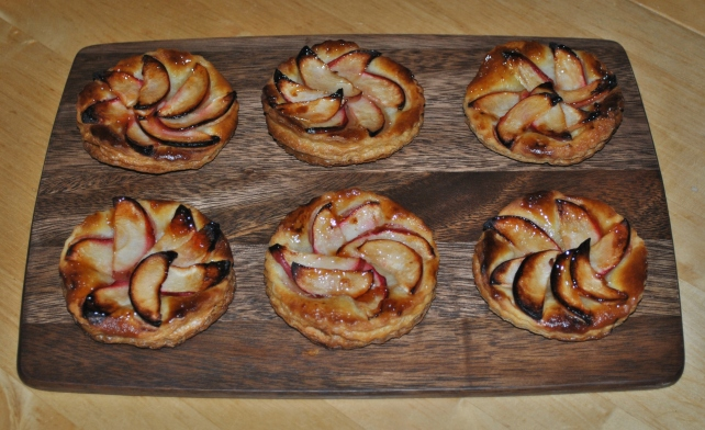 Quick apple tarts