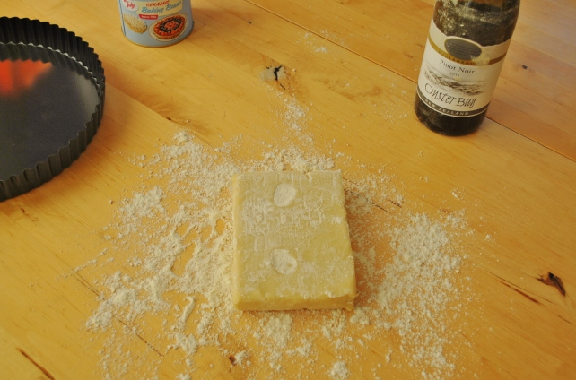 Sweet shortcrust pastry for a pumpkin pie