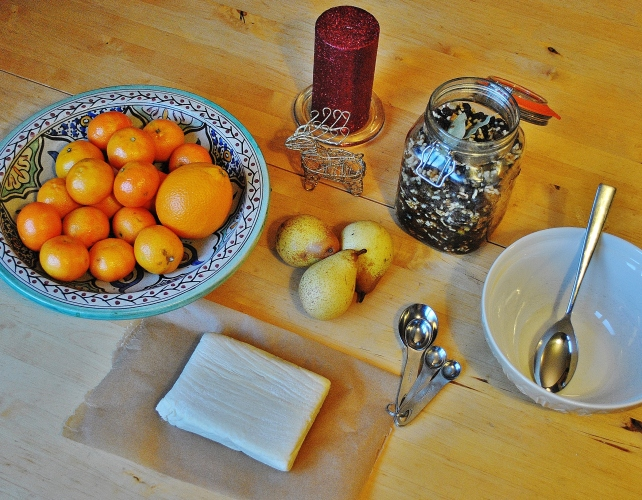 Ingredients for mincemeat puff pastry rolls