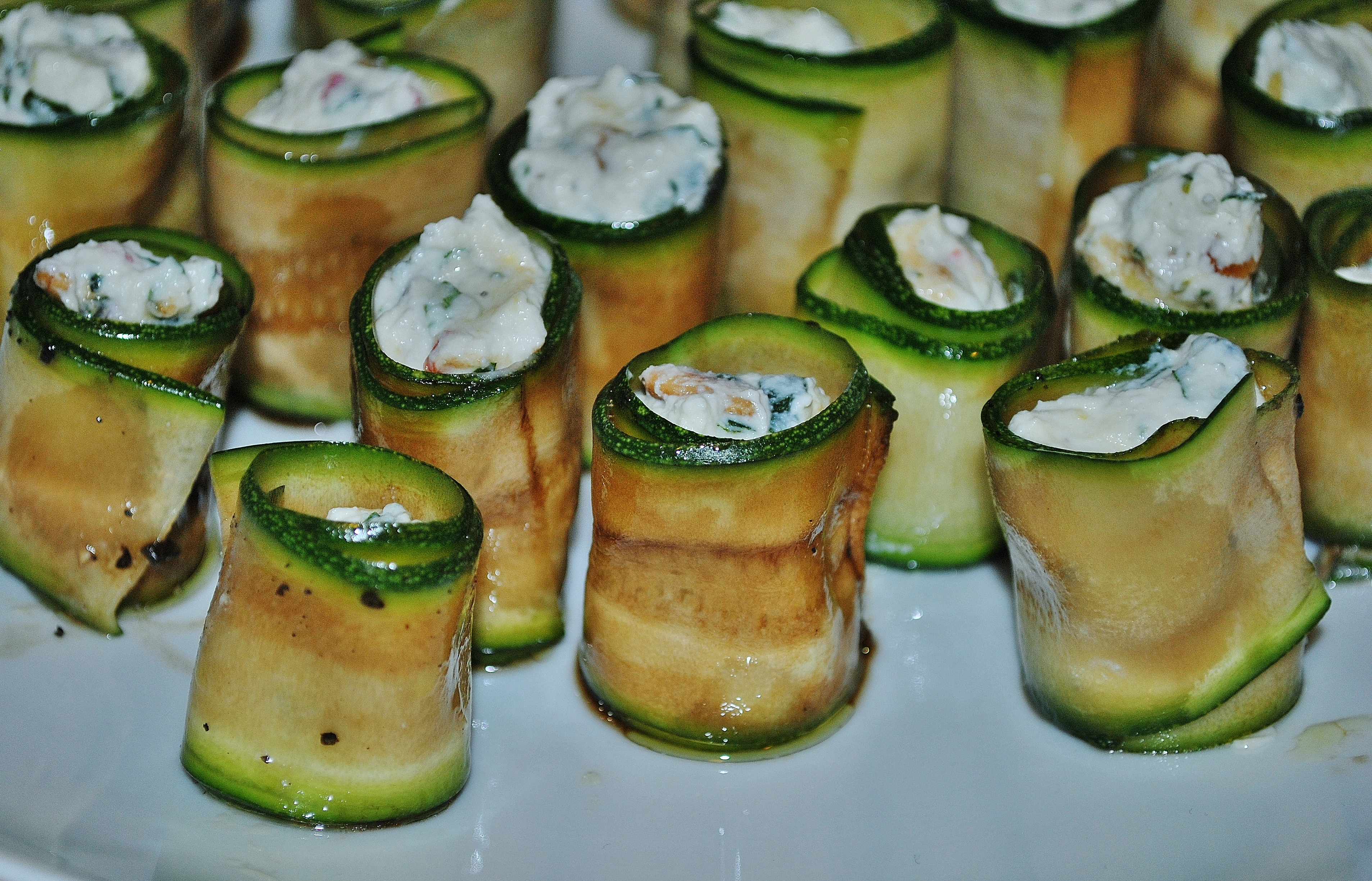 Courgette antipasto rolls the proof of the pudding for Canape jamie oliver