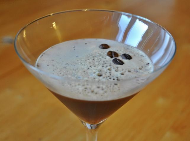 Homemade vanilla espresso martini 3