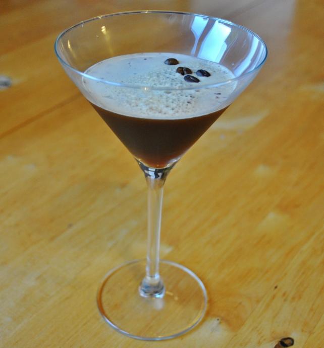 Homemade vanilla espresso martini 4