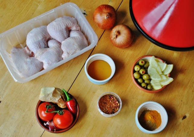 Ingredients for Moroccan chicken tagine