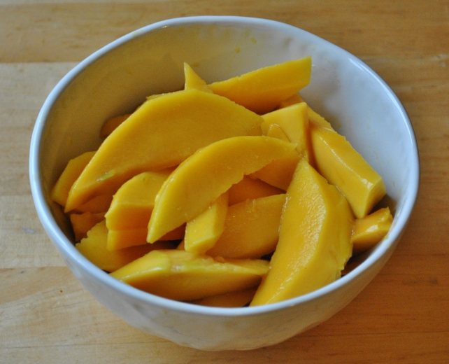 Peeled and chopped ripe mangos